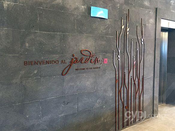 Señalética corporativa (letrero en MDF para interior) - Hotel Hilton Cuzco