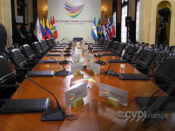 Placas para cada país - XVI Consejo Presidencial Andino 2005