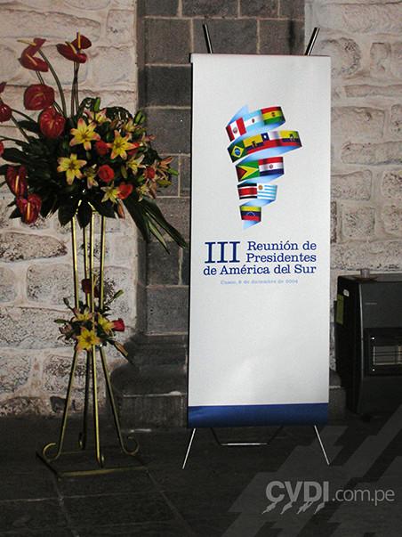 Banner - III Reunión de Presidentes de América del Sur 2004
