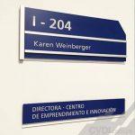Señalética corporativa (placas informativas) - Universidad del Pacífico